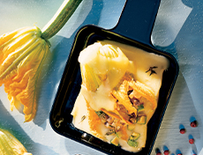 Flower Power Raclette: Filled zucchini flowers